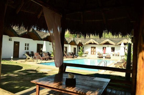 Sunz En Coron Resort: pool