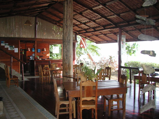 Jinetes de Osa Hotel: Eat while you listen to the music of the Pacific Ocean-Full service Bar and family style restaur
