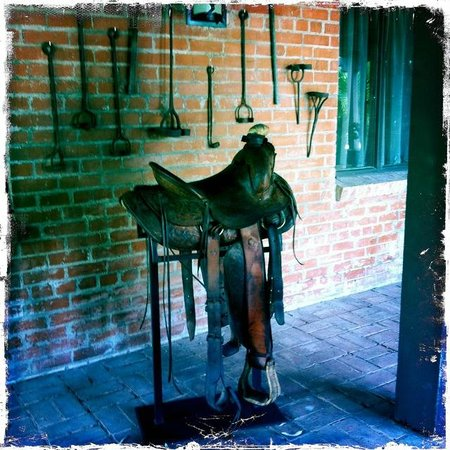 The Inns at El Rancho Merlita: Cool western artifacts