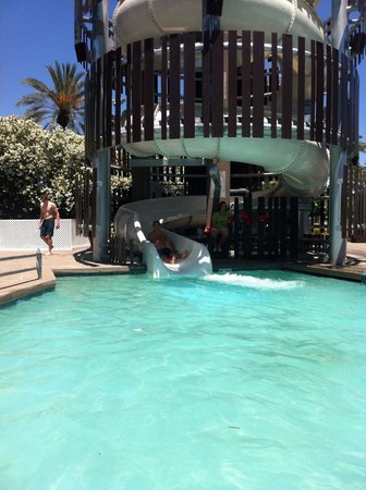 Hyatt Regency Scottsdale Resort and Spa at Gainey Ranch: Slide on the bottom