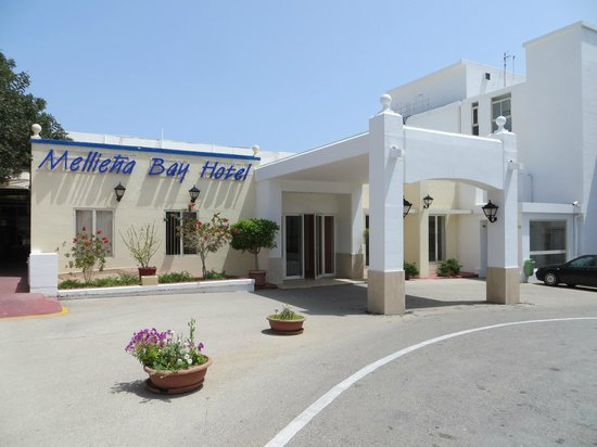 Mellieha Bay Hotel entrance