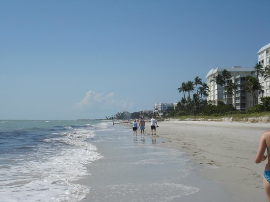 The Naples Beach Hotel &amp; Golf Club: Naples Beach