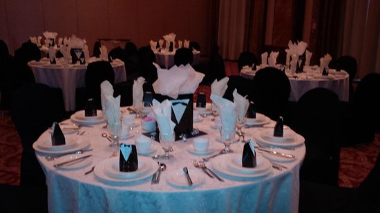 Radisson Plaza Mississauga Toronto Airport: Setting up for the Dinner/Dance