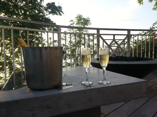 Sandals La Toc Golf Resort and Spa: Sunset &amp; Champagne Provided by Butler