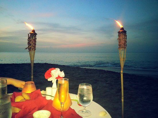 Sandals La Toc Golf Resort and Spa: Romantic Dinner For Two on The Beach
