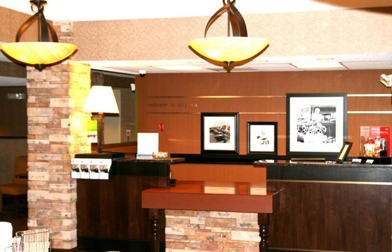 Ottawa, IL: Newly Renovated! Front Desk
