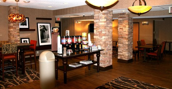 Ottawa, IL: Newly Renovated! Lobby