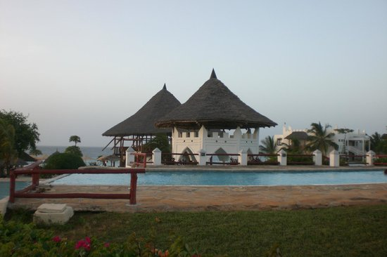 Royal Zanzibar Beach Resort: piscine