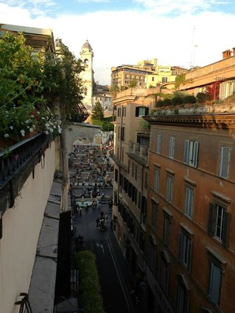 The Inn At The Spanish Steps: View from the upstairs lounge balcony
