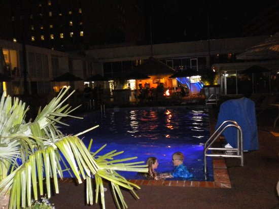 El Tropicano Riverwalk Hotel: Pool