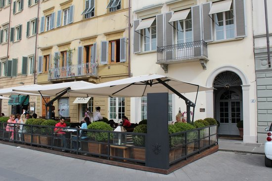 JK Place Firenze: Front of hotel