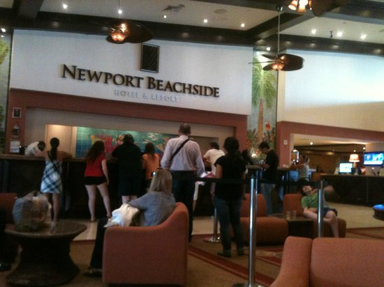 Newport Beachside Hotel and Resort: Recepción