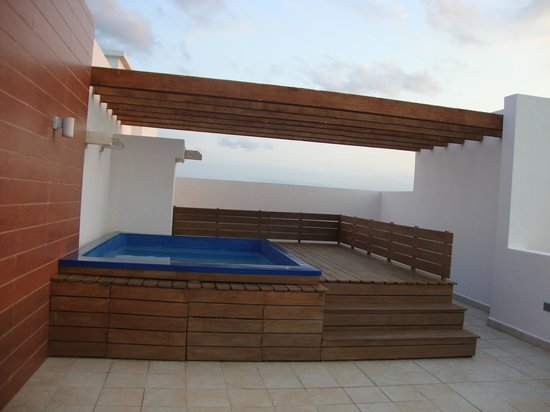 Excellence Playa Mujeres: private hydro spa pool on your patio