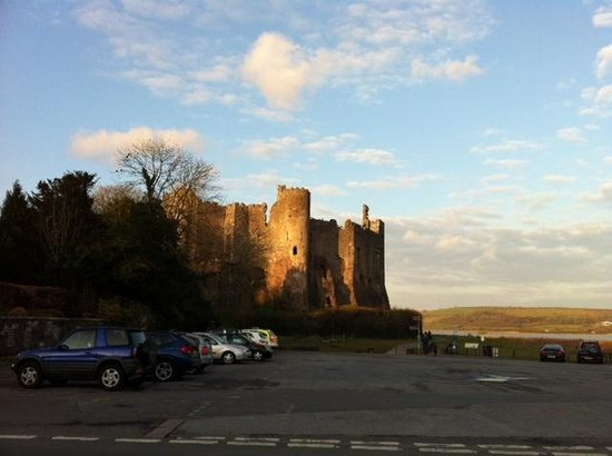 Laugharne, UK: Not quite through the window!