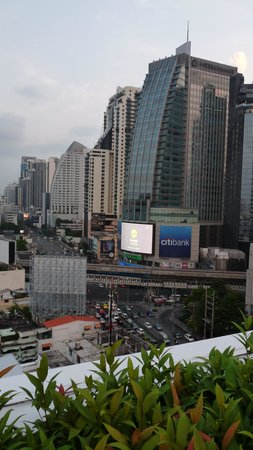 Park Plaza Sukhumvit Bangkok: view from roof top