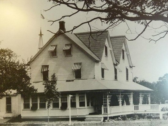 Crescent Lodge & Country Inn: Crescent Lodge in 1947