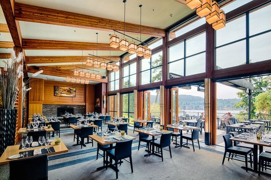 Brentwood Bay Resort &amp; Spa: The Seagrille Dining Room