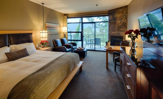 Brentwood Bay Resort &amp; Spa: Deluxe OceanSuite