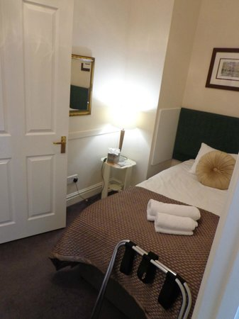 Three Abbey Green: Westwood Suite includes a private twin room