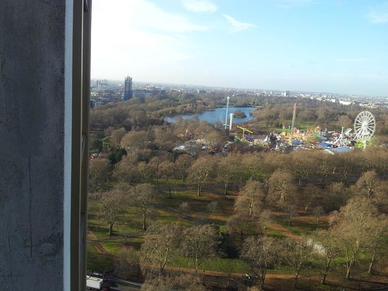London Hilton on Park Lane: View towards Hyde Park