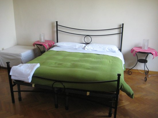 Il Magnifico B&B: room 1 bed good size