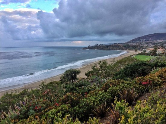 The Ritz-Carlton Laguna Niguel: View down the beach