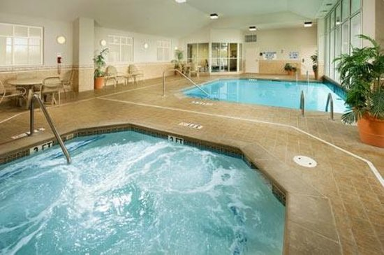 Drury Inn &amp; Suites Greenville: Pool Area