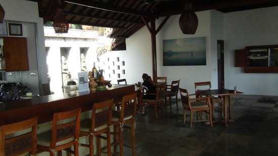 Batu Karang Lembongan Resort and Day Spa: breakfast area