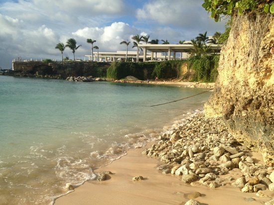 West End Village, Anguilla: viceroy beach near halfshell