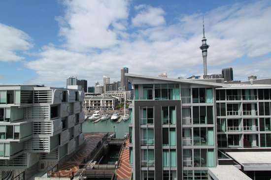 Sofitel Auckland Viaduct Harbour: View from tiny balcony