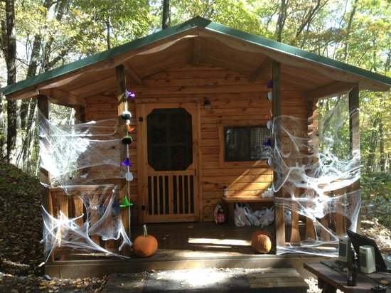 East Stroudsburg, PA: haunted cabin at Halloween Weekend