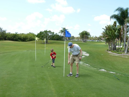 Club Med Sandpiper Bay: Chip and putt