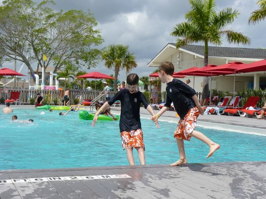 Club Med Sandpiper Bay: Fun at the pool
