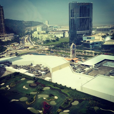The Venetian Macao Resort Hotel: The fantastic view from our suite