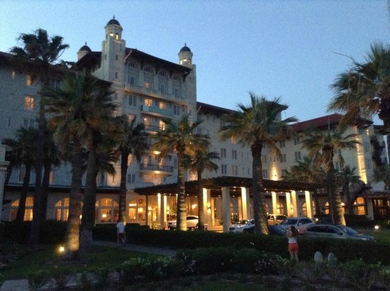 Hotel Galvez & Spa, A Wyndham Grand Hotel: Exterior at Dusk.