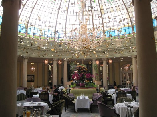 The Westin Palace Madrid: Westin Palace dining room dome