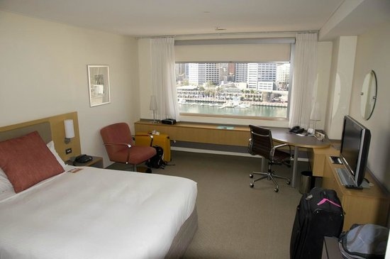 Novotel Sydney on Darling Harbour: Hotel room