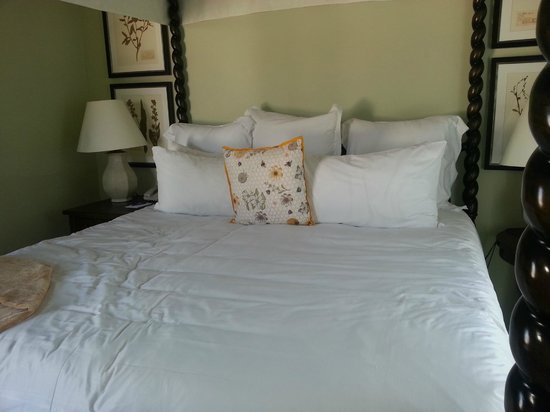 Canary, a Kimpton Hotel: Super Comfortable King Bed