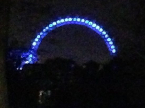Holiday Inn London - Mayfair: London Eye by night fra hoteller