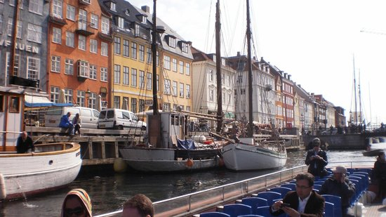 CopenHagen Strand: Nyhavn- a 5 minute leisurely walk from the hotel