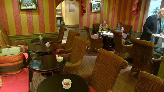 Chambiges Elysees Hotel : Breakfast room 