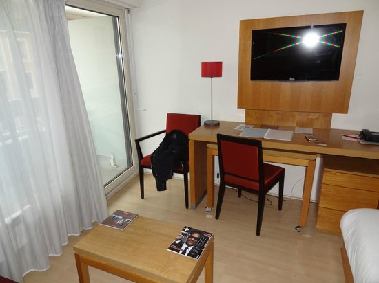 Courbevoie, France : Room 