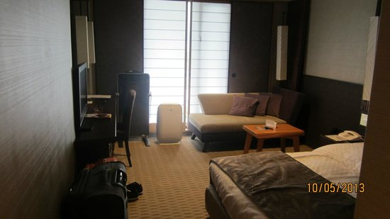 Rihga Royal Hotel Kyoto: view of room 1019 from entrance