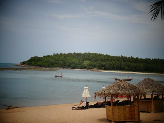 Anantara Lawana Resort and Spa: beach