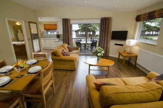 Carnforth, UK: 2 Bedroom Apartment