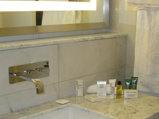 Hilton London Islington: Salle de Bain