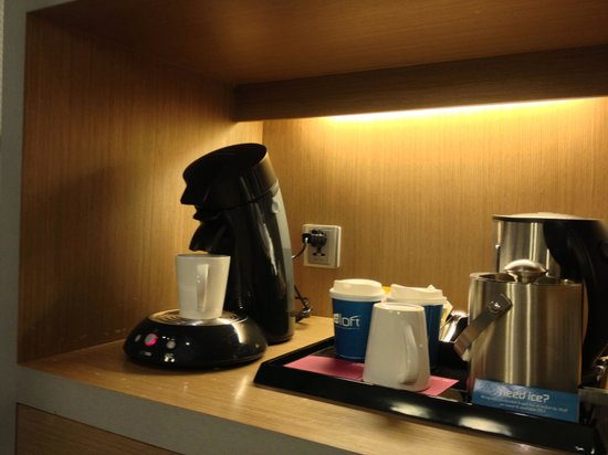 Aloft Bangkok - Sukhumvit 11: In-room coffee machine