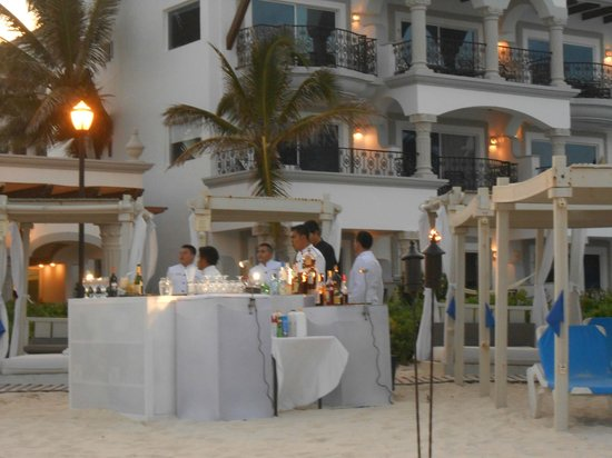 The Royal Playa del Carmen: jazz dinner on the beach