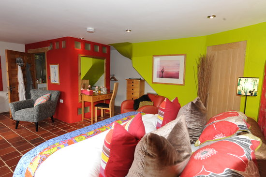 Saint Ewe, UK: Individual, funky, contemporary rooms