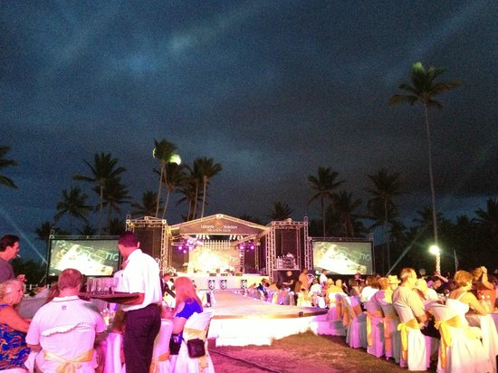 Lifestyle Tropical Beach Resort &amp; Spa: best show EVER!